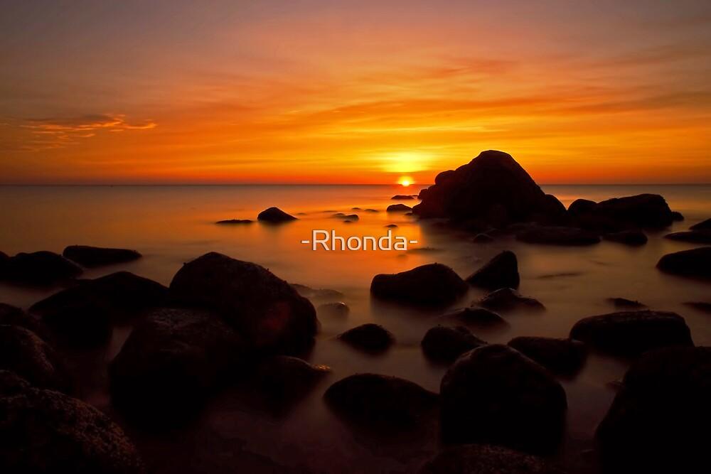 Sunrise by -Rhonda-
