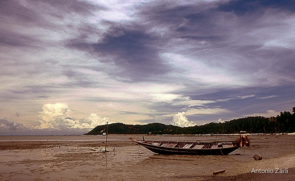 Thai boat by Antonio Zarli