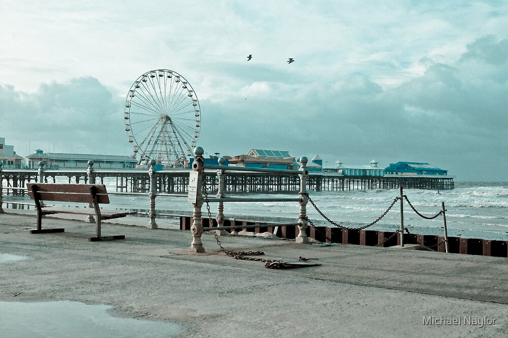 Pier-ing by Michael Naylor