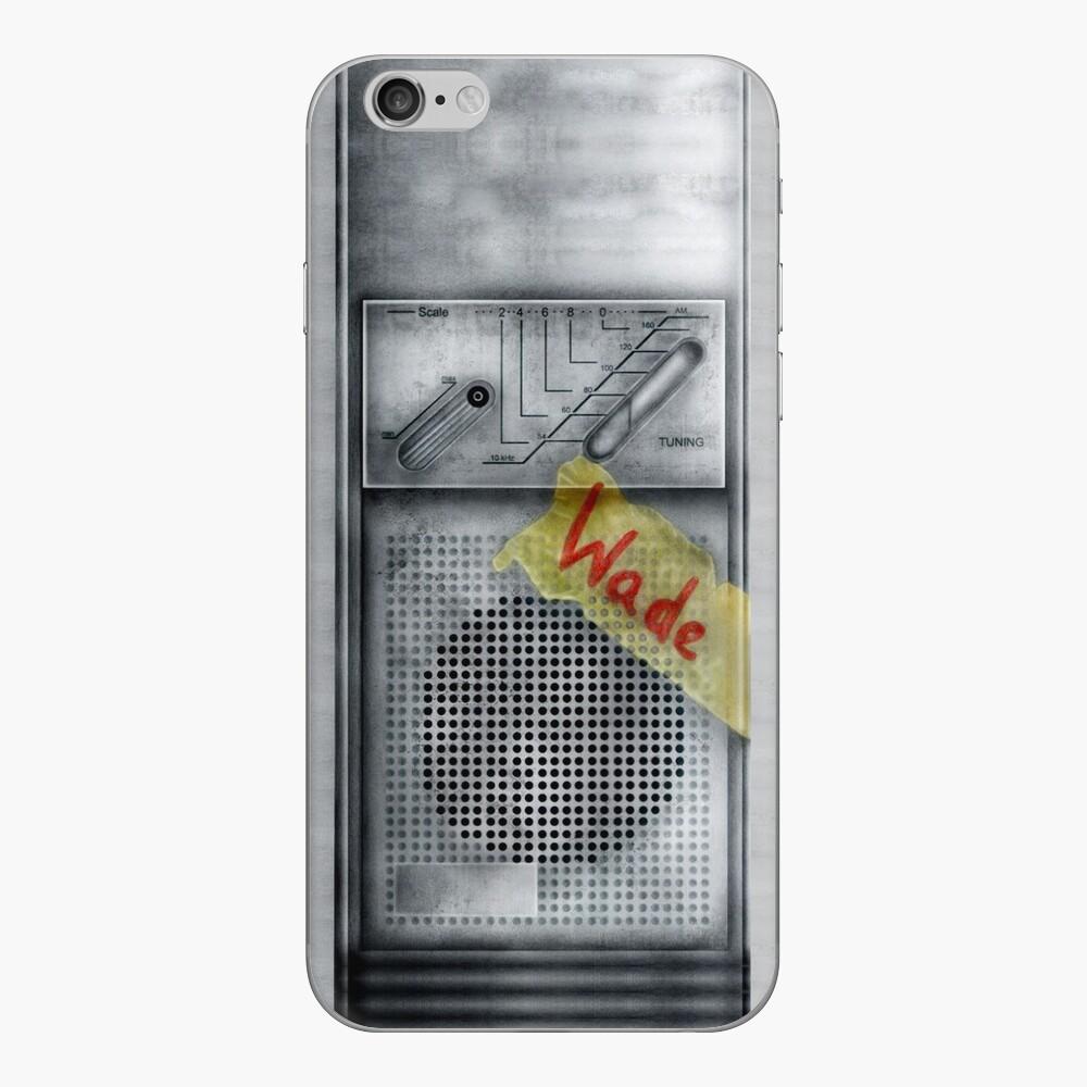 Schmutziger staubiger Walkman der klassischen alten Weinlese iPhone Klebefolie