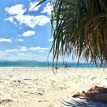 Byron Bay beach bums  by Lozenga
