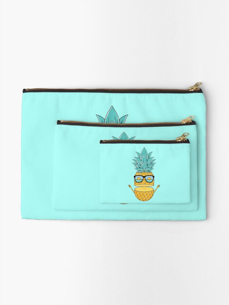 Alternate view of Pineapple Summer Sunglasses Zipper Pouch