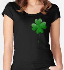 Camiseta entallada de cuello ancho Low Poly, trébol geométrico de cuatro hojas