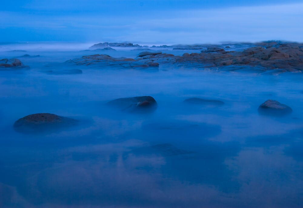 Misty Rocks by LeonC