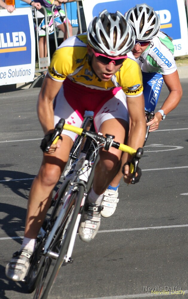 Jayco Cycling - Geelong by Neville Daffy