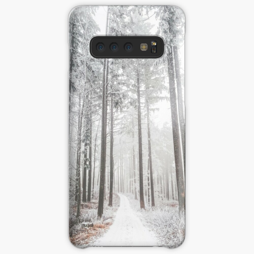 Mysterious road in a frozen foggy forest Case & Skin for Samsung Galaxy