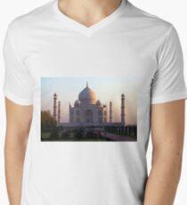 The Taj Mahal at sunrise. T-Shirt