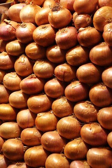 Onions by Luca Renoldi