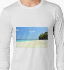 Beautiful beach in the Maldives with clear blue water Long Sleeve T-Shirt