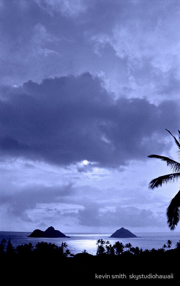 Lanikai Moon by kevin smith  skystudiohawaii