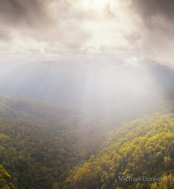 Govetts Leap Awakens, Blue Mountains, New South Wales, Australia by Michael Boniwell