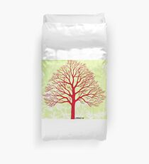 THE OLD RED TREE Duvet Cover