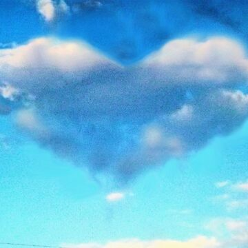 LOVE CLOUD by leethompson