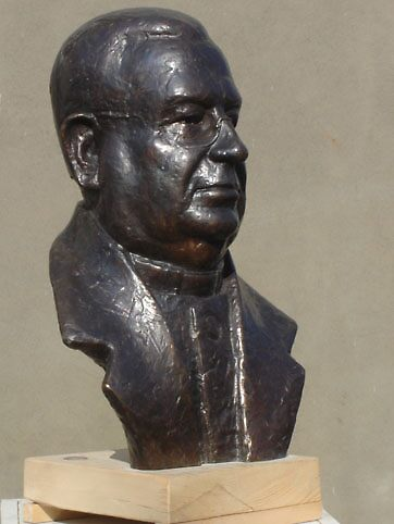Portrait in bronze by divase