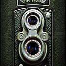 «Cámara Vintage Doff doble lente negro» de Galih Sanjaya Kusuma wiwaha