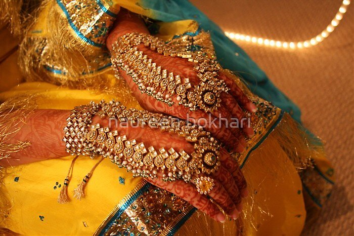 Hand jewelry and henna by naureen bokhari
