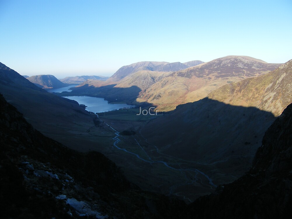 The valley below by JoCr