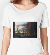 Evening, sunset, evening glow, the rays of the setting sun in the Windows, pink clouds Relaxed Fit T-Shirt