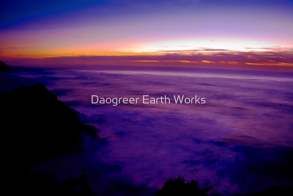 Still Light by Daogreer Earth Works