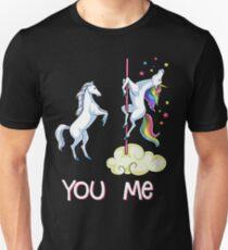 Einhorn Sie gegen mich Hemd Lustige Einhörner-Regenbogen-T-Shirt Geschenke Slim Fit T-Shirt