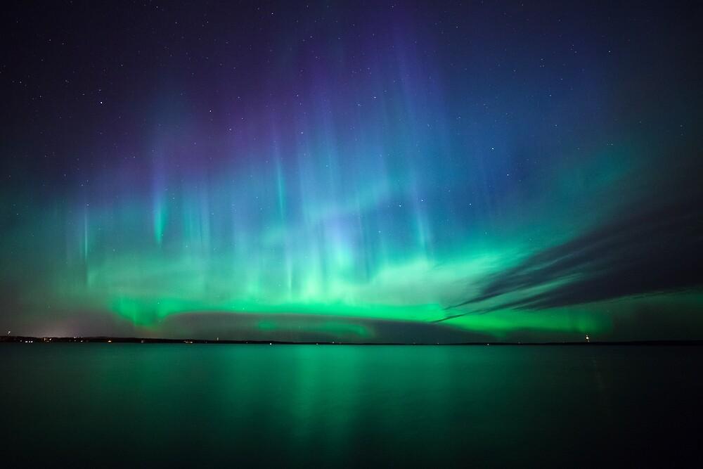 Beautiful northern lights by Juhani Viitanen