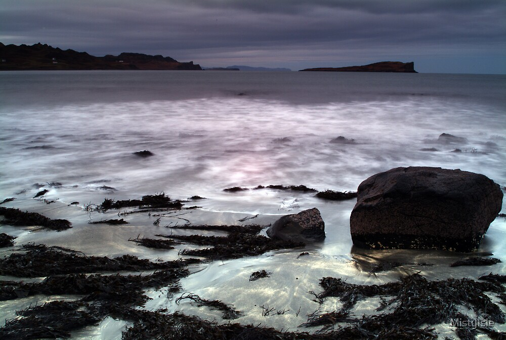 Breaking waves at Staffin Bay by MistyIsle