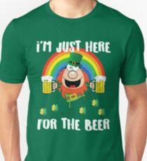 I'm Just Here For The Beer Drunk Leprechaun Shirt For St. Patricks Day Unisex T-Shirt