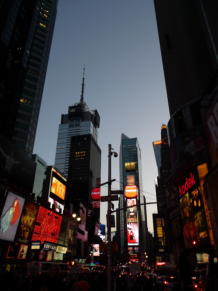 Dusk in Time Square by abryant