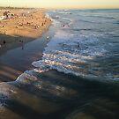 Menschen genießen Huntington Beach von OceanPeaceful