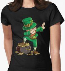 Dabbing Leprechaun T-shirt Funny Dab St Patricks Day Gifts Women's Fitted T-Shirt