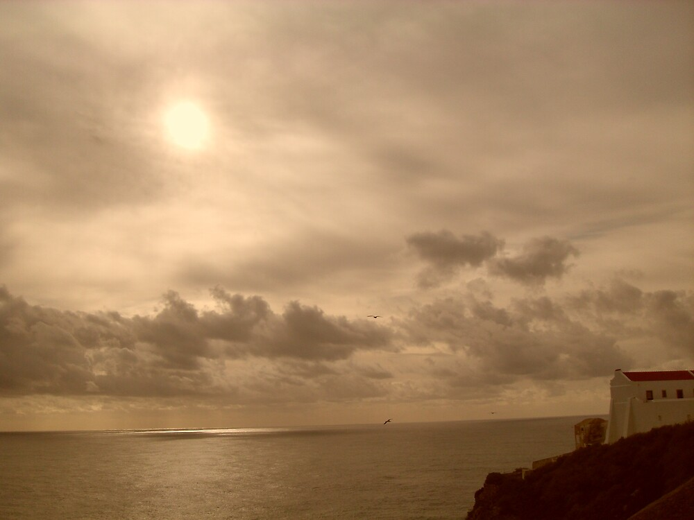 Sun setting over the Atlantic at Cape St Vincent, Portugal Jan 2009 by jacbis