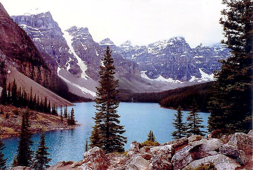 Baniff ~ Lake of Ten Peaks.. by Larry Llewellyn