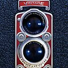 «Cámara Vintage con lente doble ROJA» de Galih Sanjaya Kusuma wiwaha