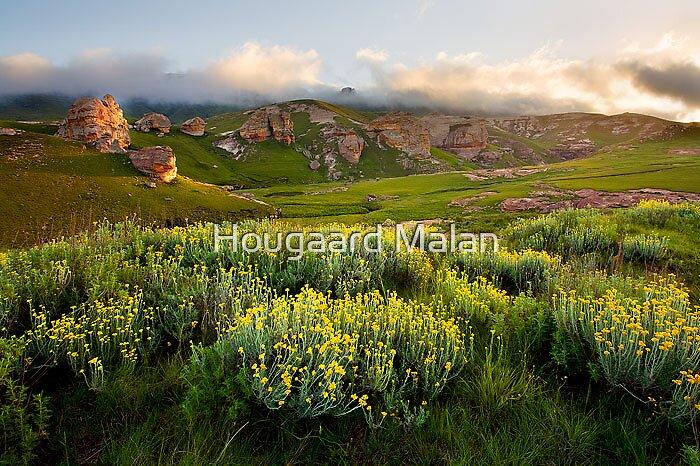 Maloti Pass by Hougaard Malan