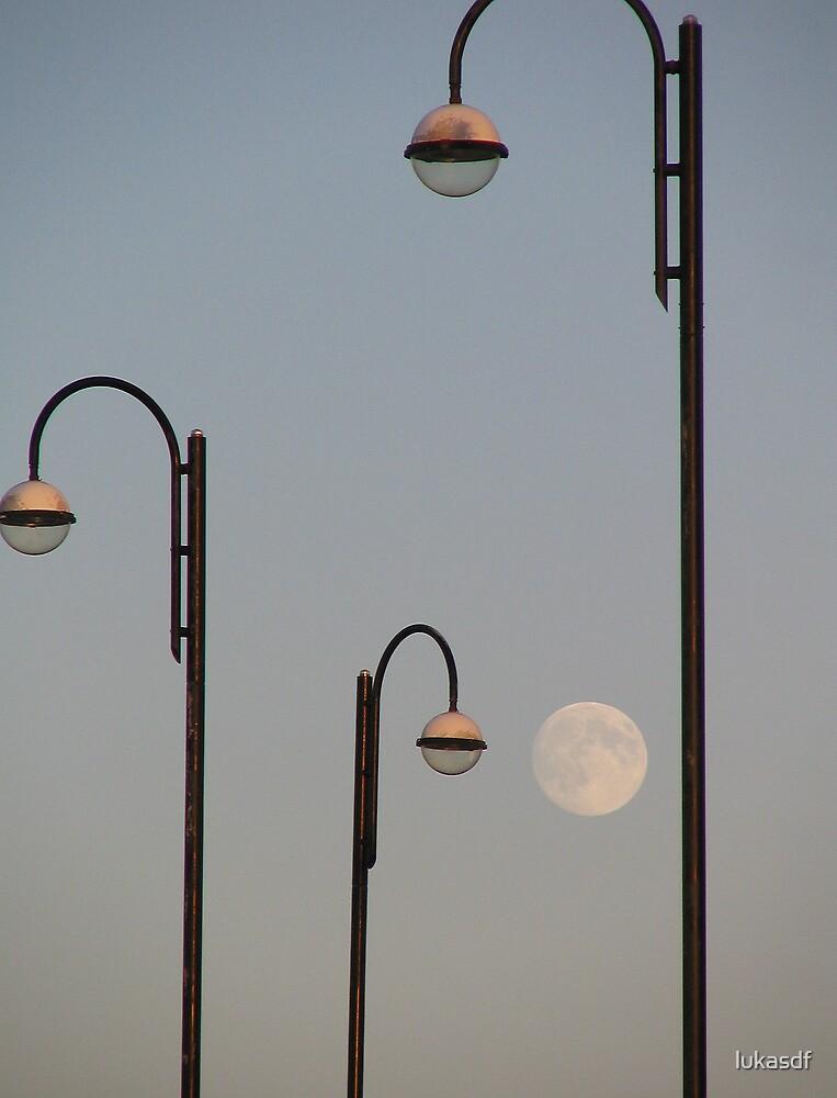 moon lights by lukasdf