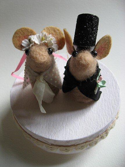 Mice wedding cake topper by mykonos