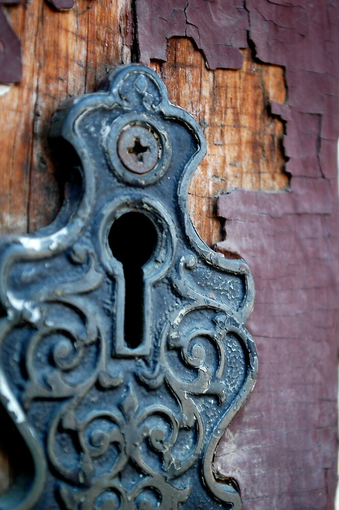 Keyhole by punchdrunklove