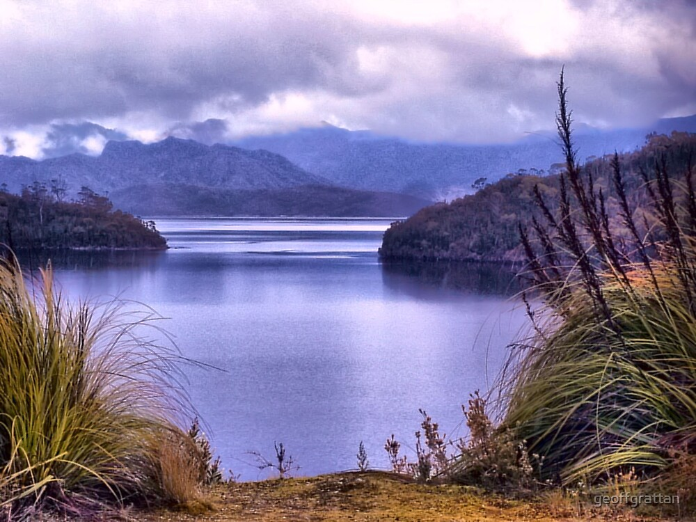 Lake peddar Tasmania by geoffgrattan