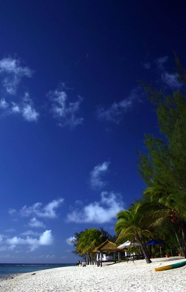 Beach Paradise - Rarotonga, Cook Islands by Paul McFarlane