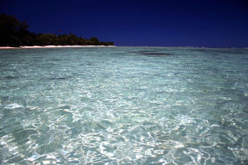 Idyllic lagoon - Rarotonga, Cook Isands by Paul McFarlane