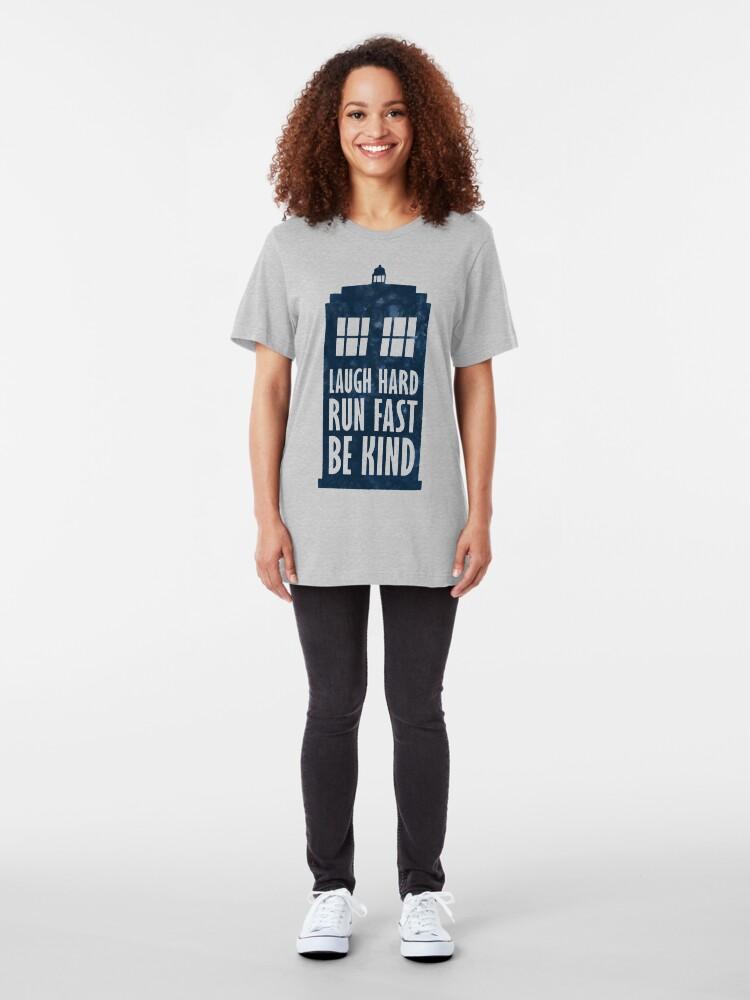 Alternative Ansicht von Laugh Hard - Lauf schnell - Sei nett Slim Fit T-Shirt