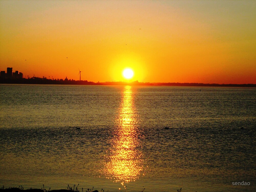 sunrising ( lake shore)... by sendao