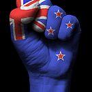 Flagge von Neuseeland auf einer angehobenen geballten Faust von jeff bartels