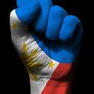 Flagge der Philippinen auf einer angehobenen geballten Faust von jeff bartels