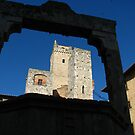 La Cisterna, San Gimignano by hans p olsen