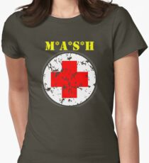 """MASH 4077 Medical symbol color """"Army Green"""" Women's Fitted T-Shirt"""