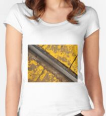 Beaconsfield Rail Women's Fitted Scoop T-Shirt