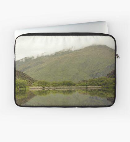 Reflexionen von Diamond Lake Laptoptasche