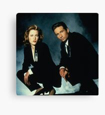 X-Files -Mulder and Scully Canvas Print