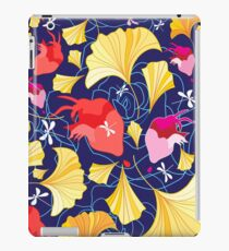 Beautiful pattern of ginkgo leaves and hearts  iPad Case/Skin